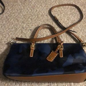 Tommy Hilfiger blue camo bag- like new